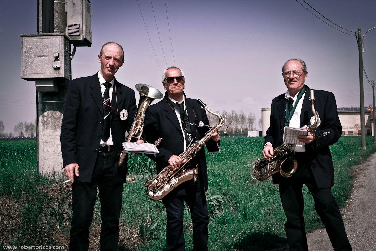 musicisti jazz in campagna alla festa della cultura di piadena