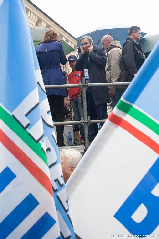 maurizio gasparri ex ministro del governo berlusconi