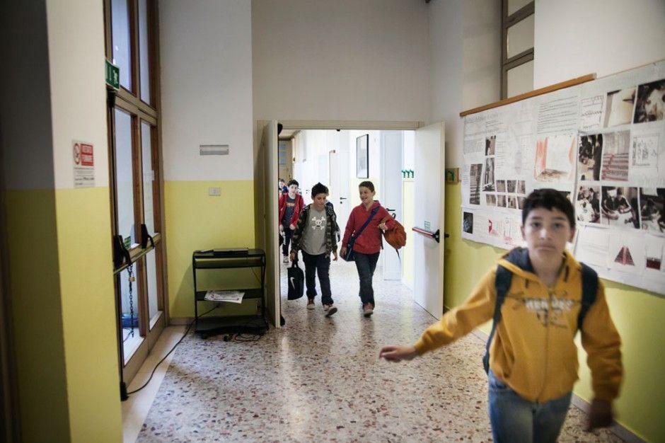 workshop fotografico donald weber ingresso scuola immigrati studenti reggio emilia