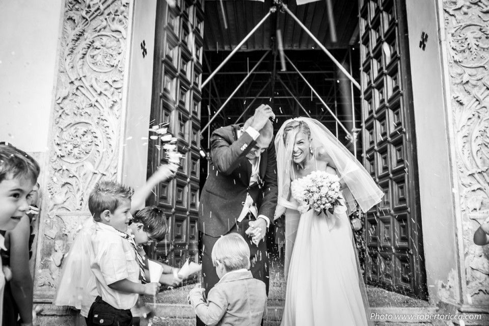 lancio del riso reportage matrimonio wedding photojournalism