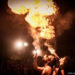 artista di strada magiafuoco sputa fuoco rocca meraviglie a lonato del garda