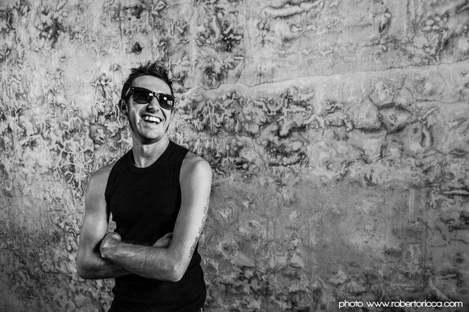 ritratto fotografico del rapper Dellino farmer di Brescia