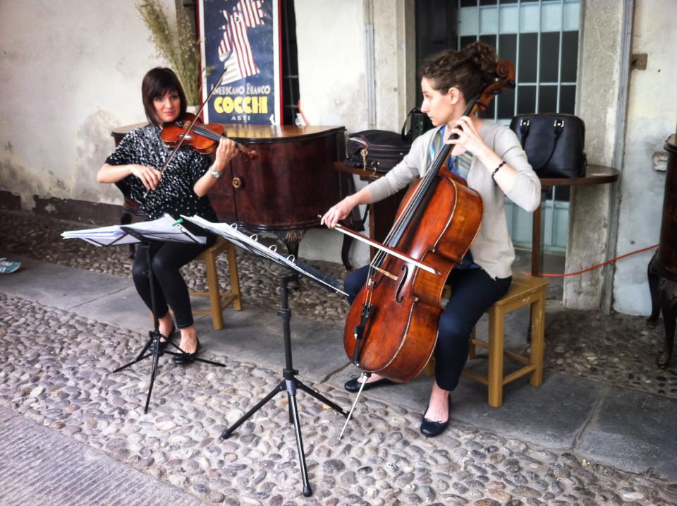 Violin & Cello durante l'inaugurazione