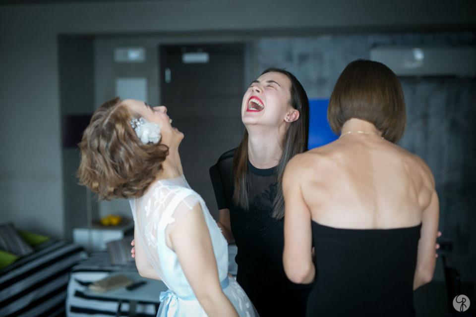 la sposa con le sue amiche