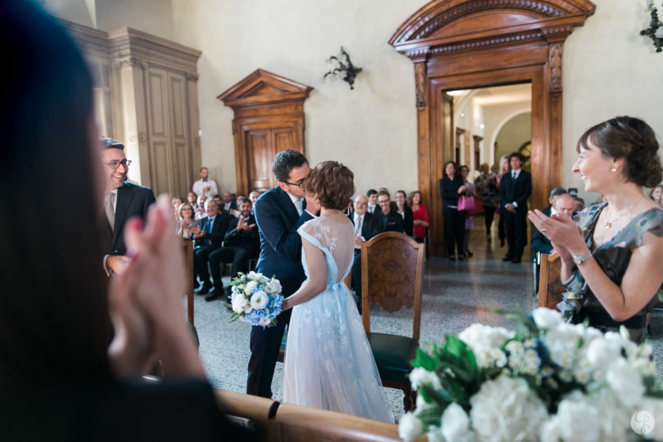 bacio sposi cerimonia civile