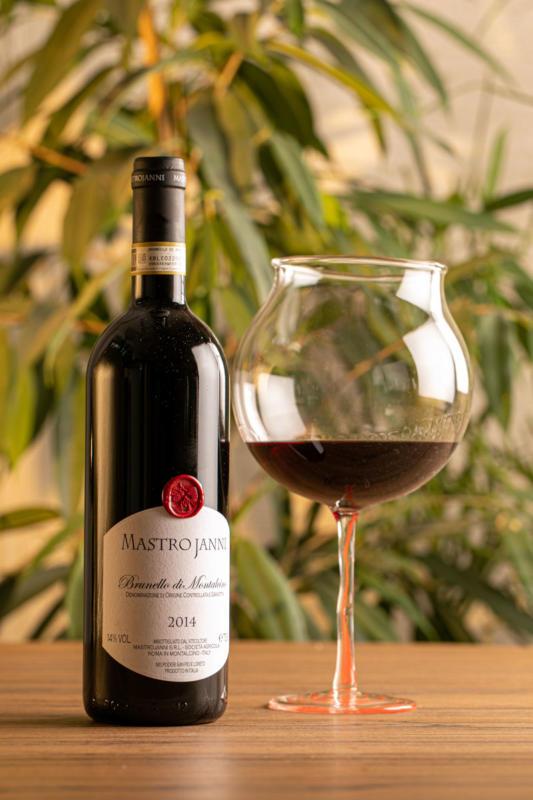 bottiglia di Vino still life Brescia
